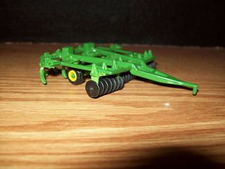 ERTL 1/64 TRACTOR JOHN DEERE MULCHER RIPPER CHISEL CULTIVATOR FARM TOY