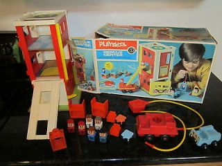 Little People Family Playskool Rescue Center Firetruck station fire