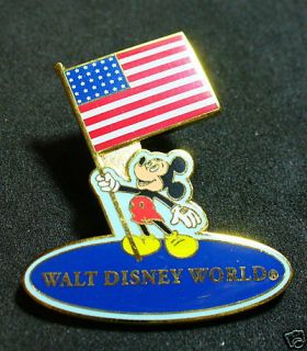 2002 Disney Walt Disney World Mickey Mouse US Flag Pin