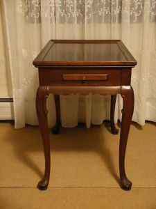 Ethan Allen Georgian Court Queen Anne Cherry Tea Table