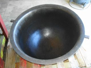 ANTIQUE CAST IRON KETTLE CAULDRON BUTCHERING SOUP POT RENDERING