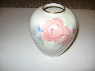 Lenox China Chatsworth Med Vase Hand Decorated 24k gold trim mark