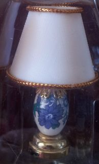 BATTERY OPERATED NO wiring required Blue and White Table Lamp