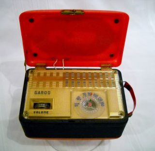 Garod Model 4A1 Tube Type Battery Powered Portable Radio 1947