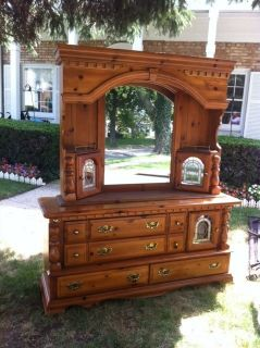 Queen Bedroom Furniture Set Queen Bed, Chest, Dresser, Mirror