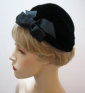 Vintage Ladies 1930s 40s Black Velvet Betmar Hat 1268