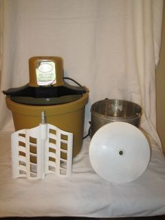VINTAGE ELECTRIC RCW ICE CREAM FREEZER MAKER 5 QUART STERLING BUCKET