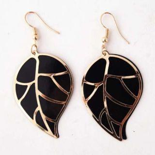 Fashion Eye Catching Black Gold Leaf Dangle Earring Jewelry