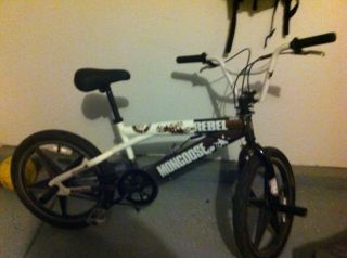 Mongoose Rebel BMX Bike 20 inch with Pegs