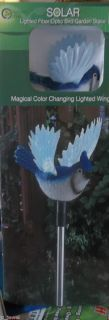 BLUE JAY BIRD SOLAR LIGHT STAKE W COLOR CHANGING FIBER OPTIC WINGS NIB