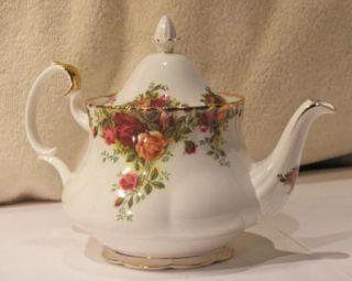 Old Country Roses Tea Pot Teapot English Bone China 1st Quality