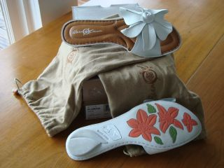 Born Crown White Plumeria Flower Slide on Sandals Box and Shoe Bags