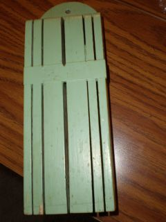 ANTIQUE WALL KNIFE HOLDER GREEN WOOD 5 SLOT VINTAGE DECORATIVE HAND