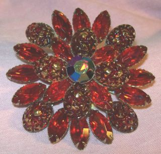 BROOCH PIN RED RHINESTONES & RED ART GLASS RHINESTONE SIGNED JUDY LEE