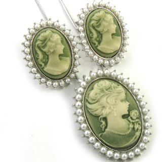 Vtg Design Pearl Lady Green Cameo Necklace Earring Set