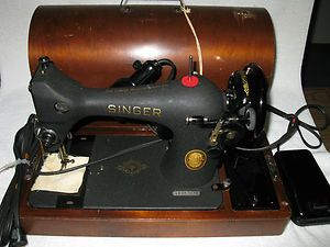Vintage Singer Sewing Machine S S AU52 16 1 Cat BZ9 8 Ser 867270 Mint