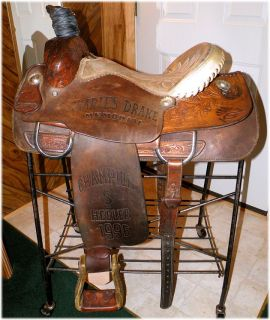 Vintage Hereford 15 1 2 inch Roping Saddle