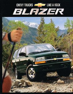 2002 Chevrolet Chevy Blazer 22 Page ZR2 Sales Brochure Book