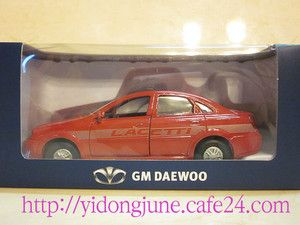 35 GM Daewoo Lacetti Chevrolet Cruze Red Limited Edition Minicar