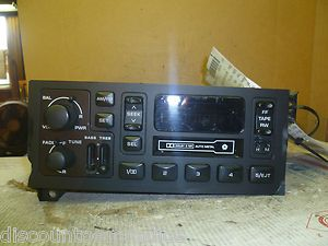 88 00 Dodge Durango Grand Cherokee Radio Cassette Player P04858556AD