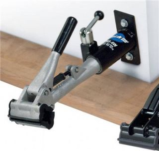 Park Tool Deluxe Wall Mount Repair Stand   PRS4W1