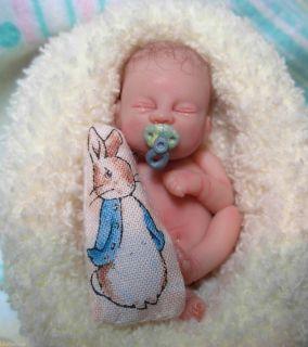 OOAK MINIAURE 2 inch Polymer Clay Newborn Baby Boy Ar Doll 3 DAY