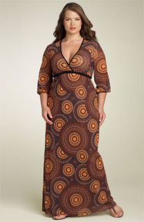 Sweet Pea by Stacy Frati Empire Mesh Maxi Dress (Plus)