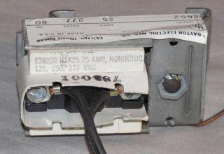 Dayton Electric Heater Thermostat Unit 2E652 25AMP 125 277V 60HZ