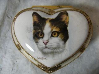 Derick Bown Porcelain and Brass Heart Shaped Cat Design Music Jewelry