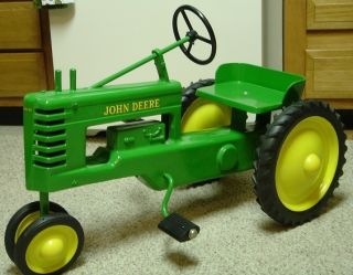 John Deere Reproduction Coffin Block Toy Pedal Tractor