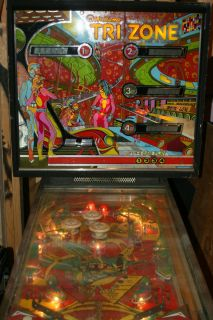 Williams Tri Zone pinball machine lights up but does not work