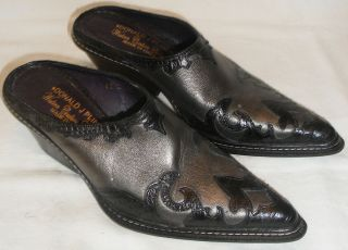 Womens Size 5.5 M Donald J. Pliner Western Couture Collection Jildor