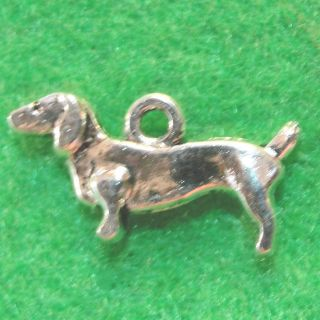 Silver Dachshund Dog Charms Pendants Tibet Jewelry Findings D30
