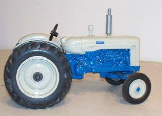 FORD 8000 ERTL DYERSVILLE IOWA USED FARM TRACTOR TRAILER BOY TOY