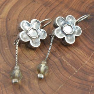 Silver Daisy Flower Clear Bead 5 2G Dangle Earrings YR892