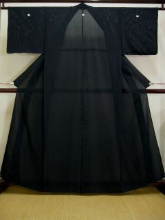 A1220R Vintage Japanese Kimono Montsuki Black Ro Unlined Silk