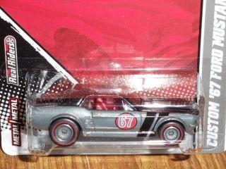 Hotwheels HOTWHEELS GARAGE 67 Ford Mustang Coupe