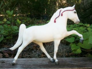 Breyer Horse Tennessee Walker V World Champion Horse Equipment 2000