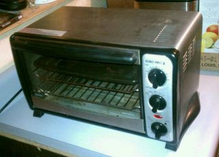 Clean Countertop Euro Pro Convection Toaster Oven Works Great