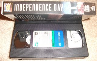Independence Day VHS Video 1996 Will Smith Bill Pullman Jeff Goldblum