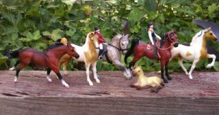 Breyer Horse Lot of 6 Stablemates Some with Tack Riders