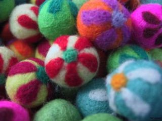 Handmade felted balls/beads with flower design~Color mix~20 pieces~ 2