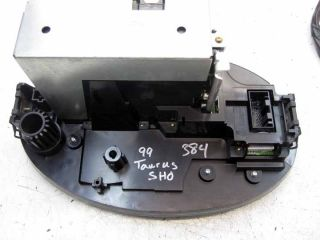 98   1999 FORD TAURUS SHO CASSETTE PLAYER RADIO STEREO