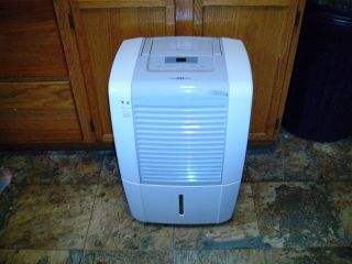 FRIGIDAIRE LAD504TDL 50 PINT DEHUMIDIFIER GENTLY USED PERFECT