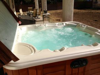 Springs Envoy 5 Person Spa Hot Tub Great Condition 450 Gallons