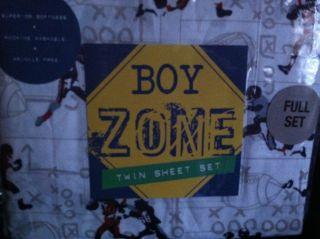 Boys Twin Size Football Sheet Set 3 Pieces NIP