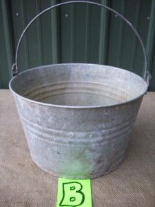 Vtg Smaller Round Galvanized Laundry Wash Tub 14 Diameter 8 75 High