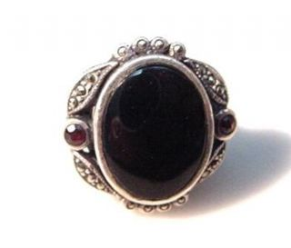 Sterling Silver Marcasite Onyx and Garnet Ring Size 6 5