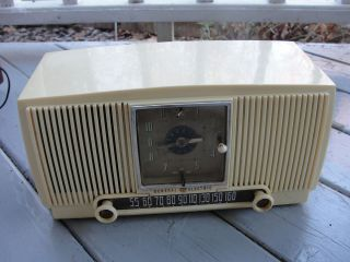 Vintage General Electric Radio Alarm Clock Model 547