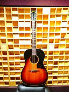 Vintage 1958 Gibson LG1 Acoustic Guitar and Case Good Condition All